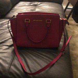 Pink Michael Kors purse. Excellent condition